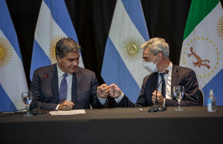 Capitanich y Meoni firmaron un convenio para la construcción de terminales de ómnibus en tres localidades